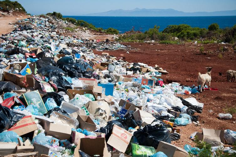 montagna di rifiuti